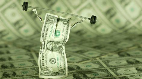 Dolar sadece Türkiye'de değerlenmiyor