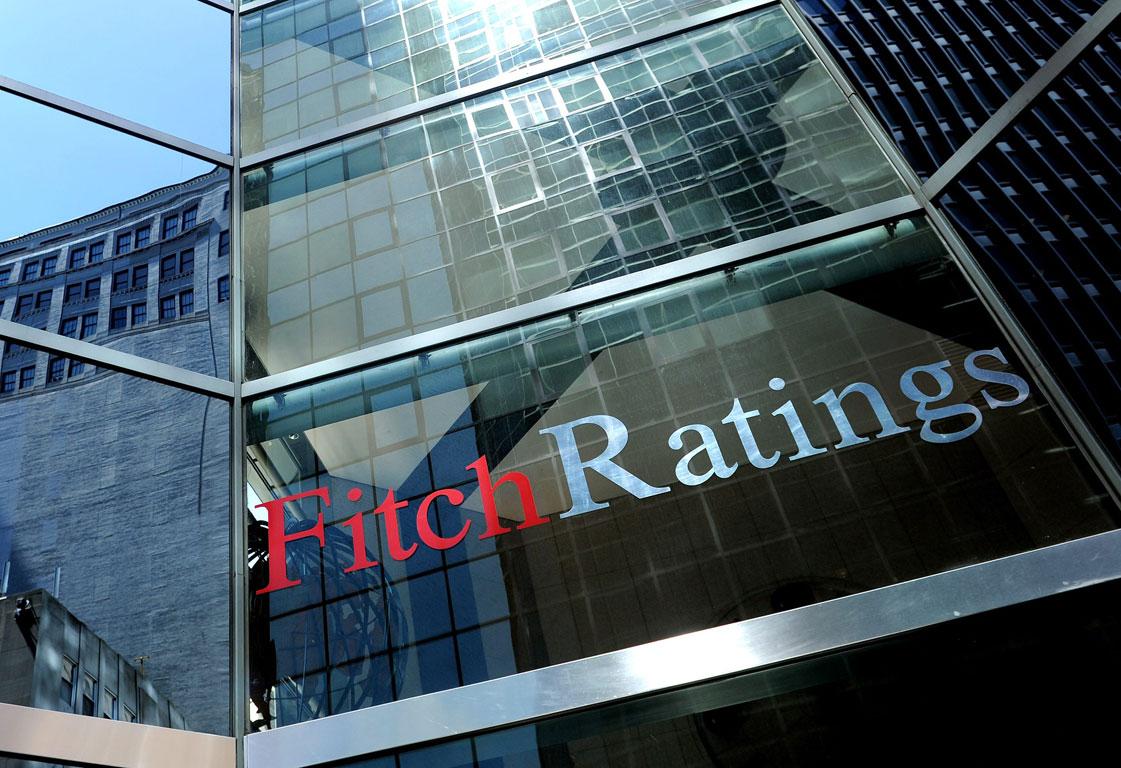 Fitch, HalkBank'ın notunu, üç bankanın görünümünü düşürdü