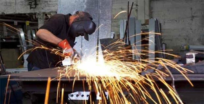 Avrupa'da imalat can çekişiyor