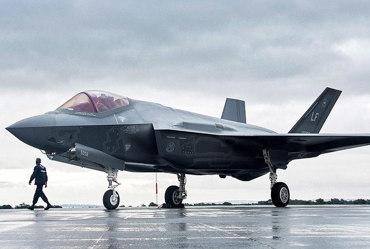 Türkiye S-400 almaktan vazgeçmezse F-35 savaş uçaklarını kaybedecek