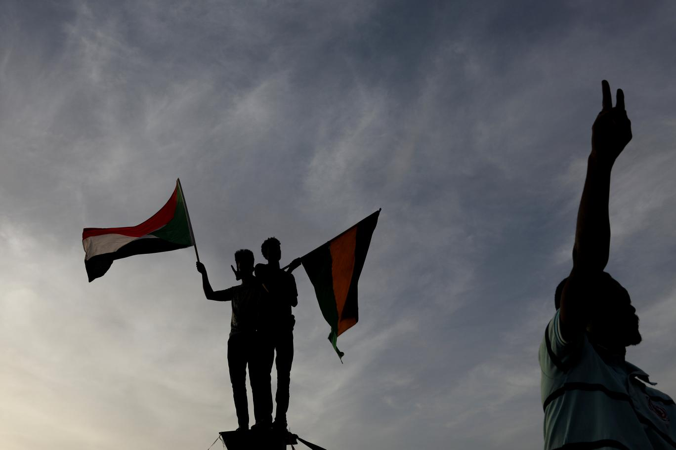 Sudan'da geçiş dönemi anlaşması tamamlandı