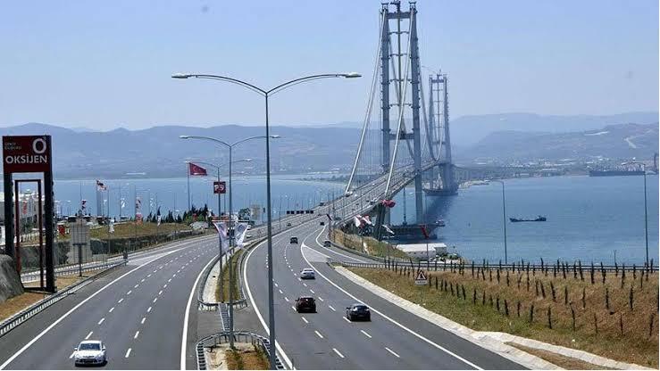 Osmangazi Köprüsü'nden garanti edilenin yarısı geçti