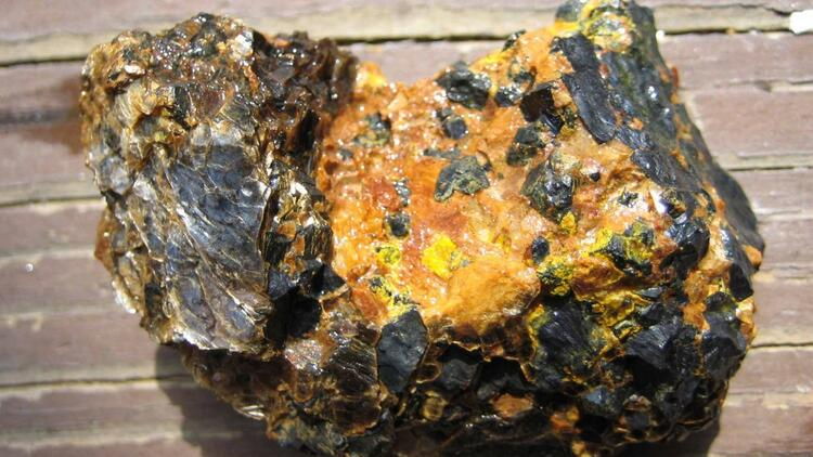 Uranyum ve toryum madeni çıkarma veya işleme faaliyetlerine bildirim yükümlülüğü getirildi