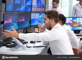 Aksam Raporu:Gelişen Piyasalar ağır baskı altında, dolar/TL 6.06'da tutunuyor