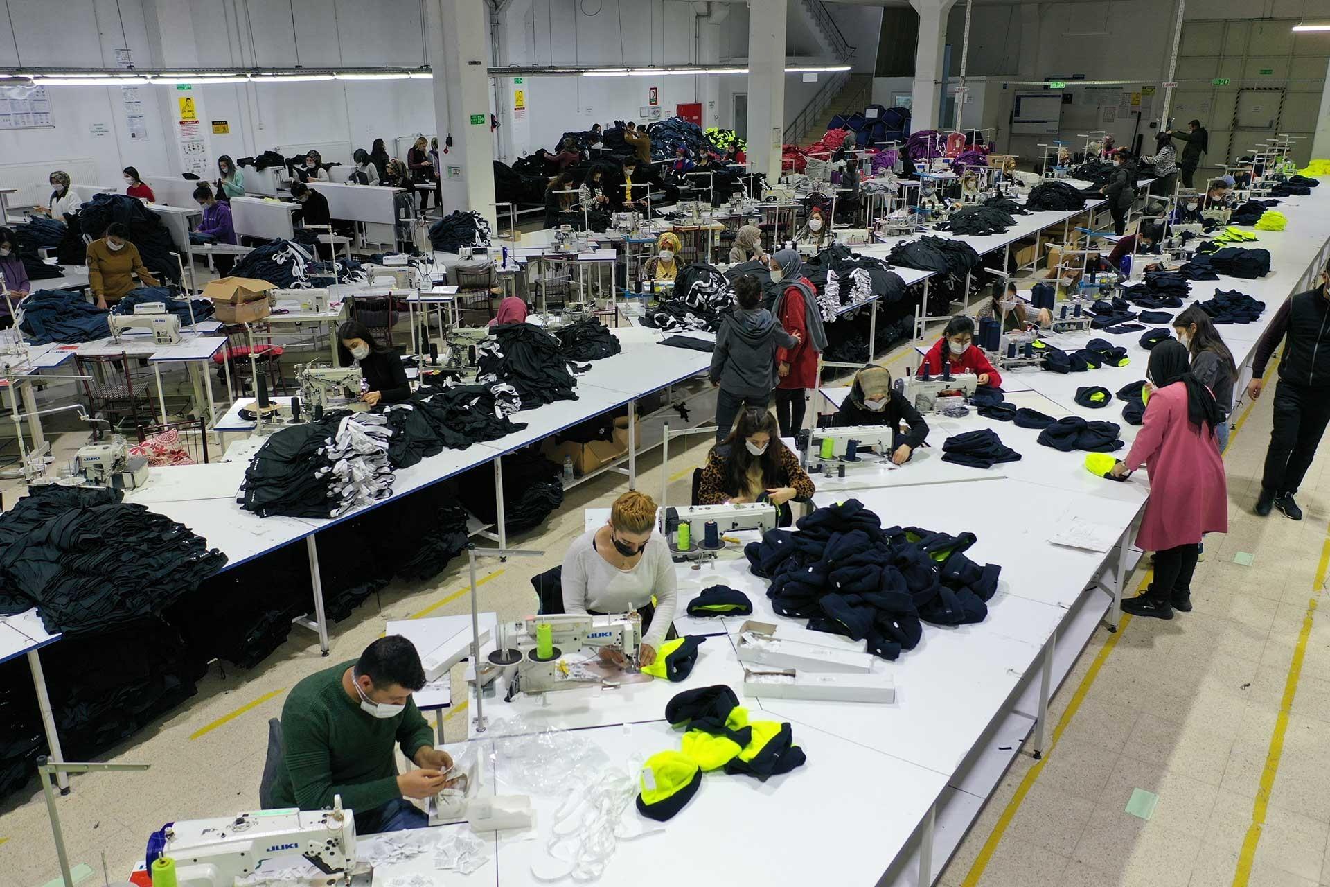 """DİSK-AR: """"Tam Kapanmada"""" 16 milyon kişi dışarda çalışıyor olacak!"""